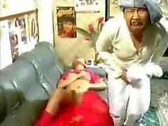 intialainen intialaisen housewife intialaisia - talossa - ja omistajan intialaisia - talossa - piika