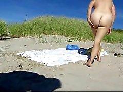 amatööri ranta julkinen alastomuus punapäät