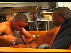 homo musta ja ebony ryhmäseksiä