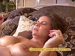 cumshots grannies amadurece