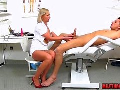 blond pipe éjaculation