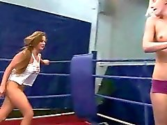 Sexy european girls fighting