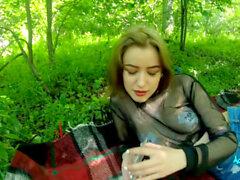 Wald girls nackt im Traumgirl fingert