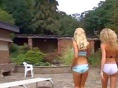 Оружие и брызгающие лесбиянки с огромными фаллоимитаторами длинное видео — pic 15