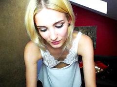 amateur blond lingerie solo webcam