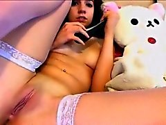Teen orgasm in webcam chat