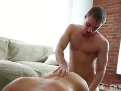brandon de jones pornhub chico gay chico gay-sexo grande