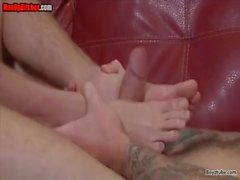 gai masturbation cum shot footjob éjaculation