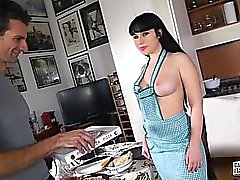 anal gros seins pipe brunette