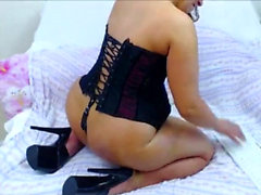Amateur CD in lingerie solo